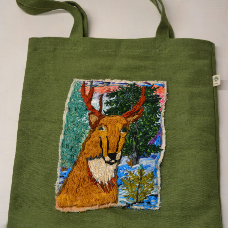 Donna Esolen. Deer tote. Embroidery. 2018.